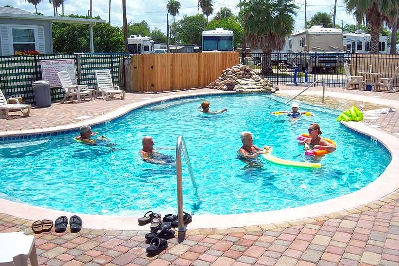 Palm gardens harlingen texas garden ftempo for Maple garden apartments weymouth